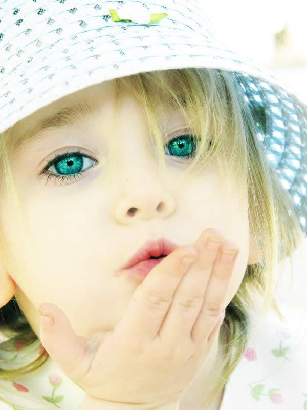 Воздушный поцелуй открытка с детьми, стихами день матери