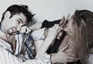 Драка мужчины и женщины