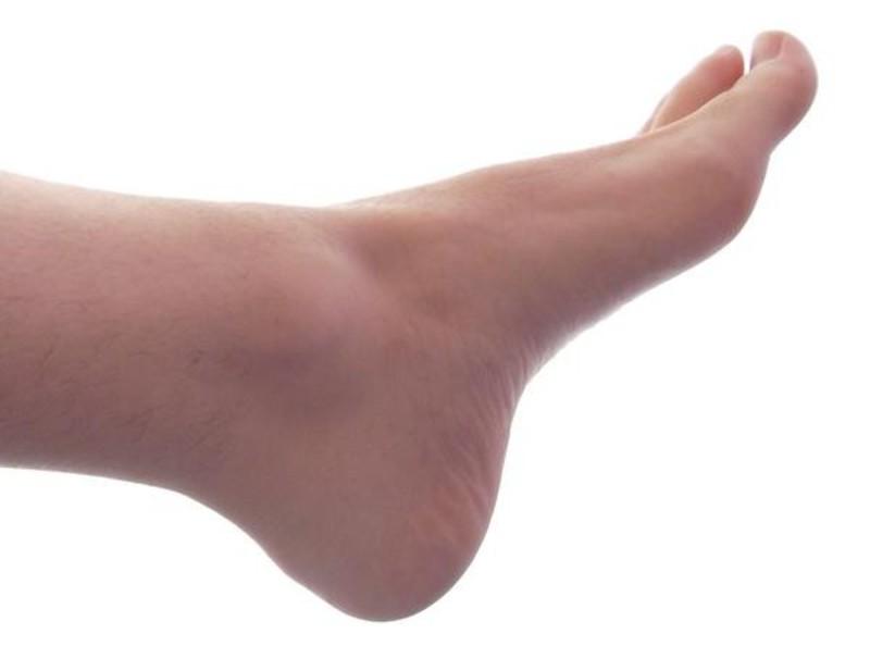 К чему чешется левая или правая ступня, коленка и подошва