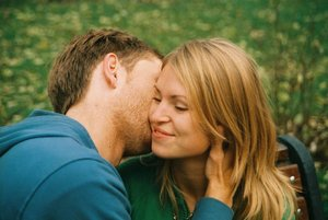 К чему снится поцелуй в щеку