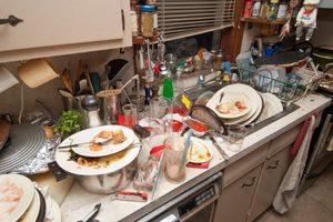 К чему приснилась грязная посуда