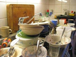 Почему приснилась грязная посуда