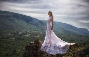 К чему снится блестящее платье