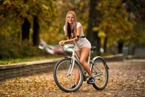 К чему видеть во сне ехать на велосипеде