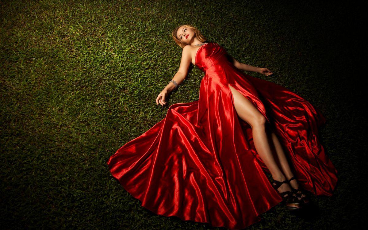 0fe995207367b19 К чему снится одевать, носить, мерить или шить красное платье ...