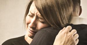 бывшая девушка плачет во сне