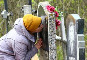 Надгробный памятник снится к печали, тоске и утратам.