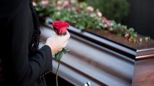 К чему снится смерть близкого
