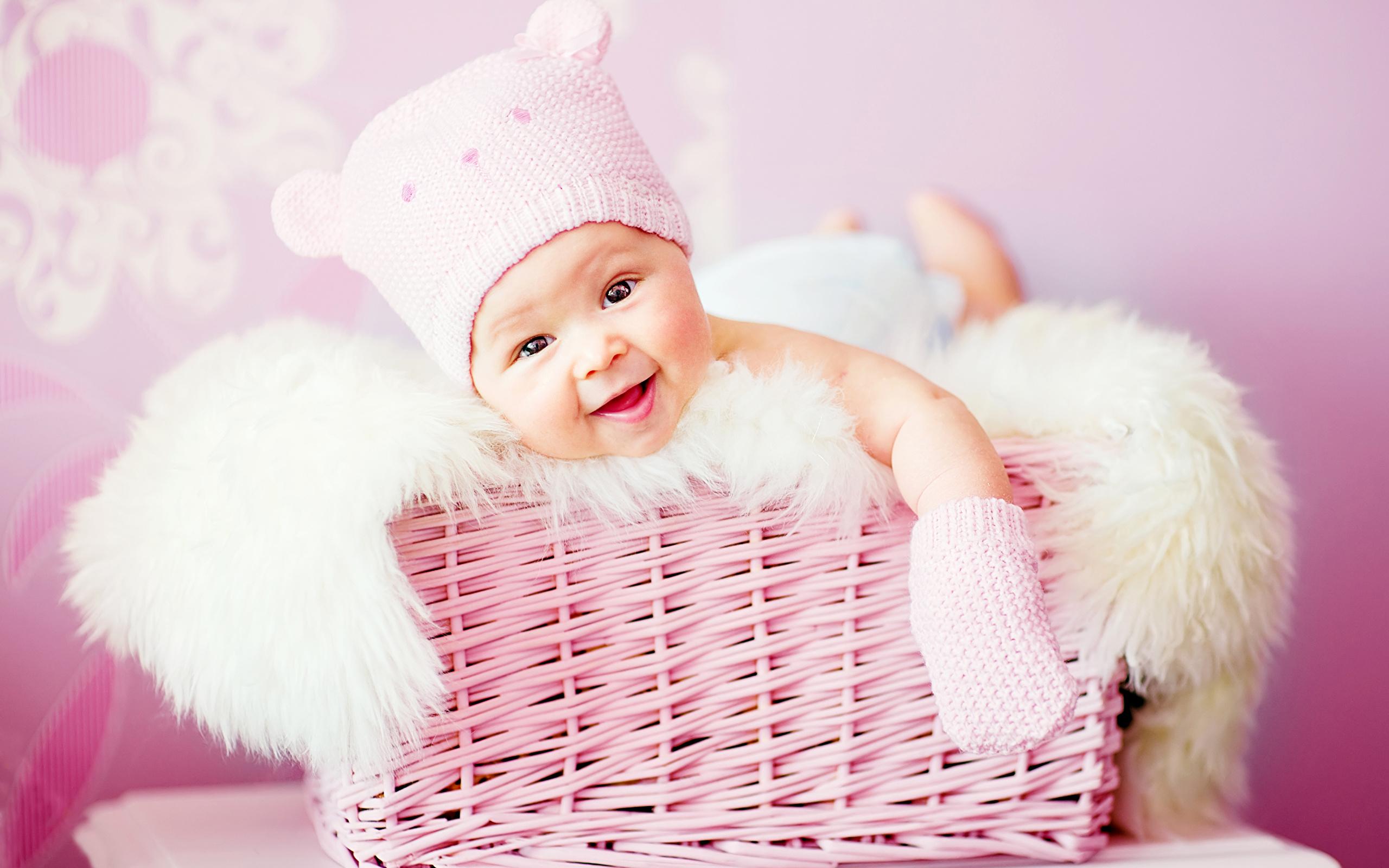 Девочка в вязаной шапочке  № 1822013 без смс
